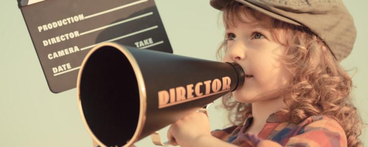 Mädchen als Regisseurin